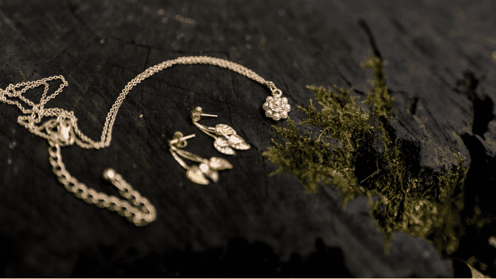 What Are Some of the Main Benefits of Buying Jewelry from a Pawn Shop?